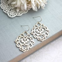 Gorgeous matte gold plated moroccan inspired filigree earrings.