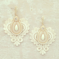 THE TROUBADOUR WEDDING LACE EARRINGS