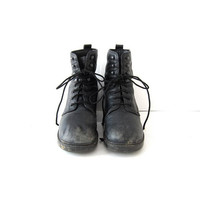 vintage black leather worn in chunky boots // women's 8.5