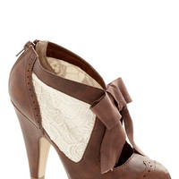 Drama Director Heel in Brown