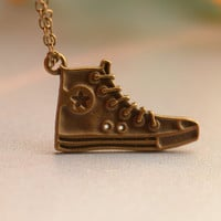 Antique bronze shoes necklace-basketball shoe-man shoes-friendship gifts--- N0112