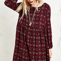 Staring at Stars Tile Print Dress in Burgundy - Urban Outfitters
