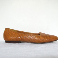 Brown woven leather flats - 80s vintage Bass loafer shoes - size 8
