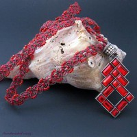 elegant Red, micro macrame necklace