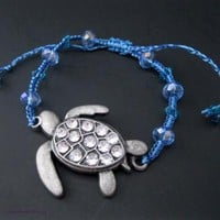 Turtle in the sea, macrame bracelet