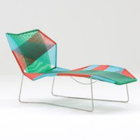 Moroso Tropicalia Chaise Lounge | Patricia Urquiola | outdoor deck-chairs at Stylepark
