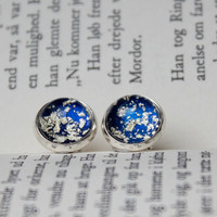 Stud earings in royal blue with gold flakes - 12mm - navy blue nail polish jewelry, earrings with golden flakes - blaue gold Ohrringe