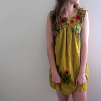Vintage Embroidered Tunic Dress Mini Peasant Hippie Mexican Short Yellow Floral Print Flowers Flowy Gypsy Bohemian