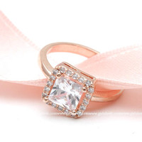 girlsluv.it - solitaire engagement ring, square