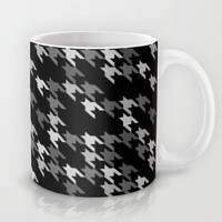 Toothless Black and White Mug by Project M
