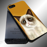 Grumpy Cat - iPhone 4/4s/5c/5s/5 Case - Samsung Galaxy S3/S4 Case iPod 4/5 Case - Black or White