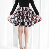 Black Lon Sleeve V Neck Dress w/ Chic Graphic Print Skirt #fashion #style #blackandwhite #vneck #print #graphic #girl #edgy #chic #harajuku