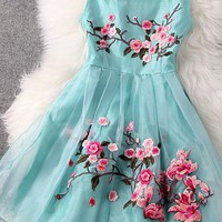 Elegant Sweet Flower Embroidery Semi-sheer Party Dress for big sale!