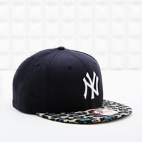 New Era 9Fifty Leopard Yankees Cap in Black - Urban Outfitters