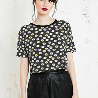 Cooperative Daisy Print Crop Tee in Black - Urban Outfitters
