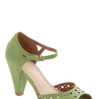 On the Bright Stride Heel in Green | Mod Retro Vintage Heels | ModCloth.com