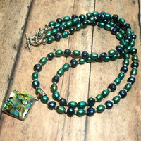 Kelly Green and Royal Blue Pearl Necklace with Abalone Shell Pendant