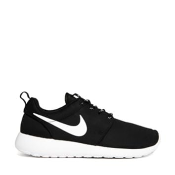 Nike Roshe Run Black Trainers