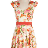 Flowers on End Dress in Blanc | Mod Retro Vintage Dresses | ModCloth.com