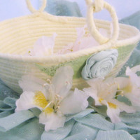 Flower Girl Basket Ivory Butter Cream Light by NewEnglandQuilter