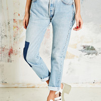 Vintage Renewal Patch Levi's in Stone Wash - Urban Outfitters