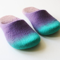 SALE Chewing  Felted wool slippers in unisex style by Onstail
