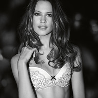 Victoria's Secret: The Sexiest Bras, Lingerie & Woman's Fashion