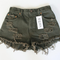 Highwaist Army Green Levis Distress Shorts