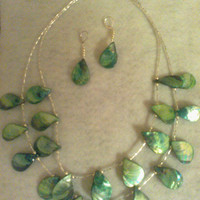 Green SHELL STATEMENT NECKLACE by jewelryandmorebyjb on Etsy