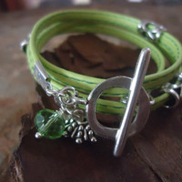 SEWN IN GREEN Wrap Bracelet with Spacers & Crystal by AsaiBolivien 8,90 us$
