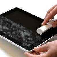 iRoller: A liquid-free, reusable pocket sized touch screen cleaner for iPhones, iPads