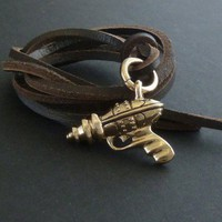 Handmade Gifts | Independent Design | Vintage Goods Raygun Necklace