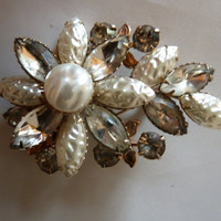 Vintage Coro Flower Bouquet Brooch Pin Pearl and Rhinestone Gold Setting Costume Jewelry 1950s