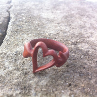 Heart redwood ring \\ cupid arrow \\ carved ring \\ teen \\ women \\ rosewood \\ anniversary gift