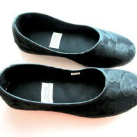 Handmade Vegan Chic Black Flats 910L by TheGeneration on Etsy
