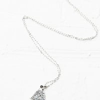 Vanessa Mooney Take Away My Troubles Necklace in Silver - Urban Outfitters