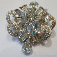 Vintage Weiss rhinestone brooch round pear and emerald cut stones costume jewelry wedding bride