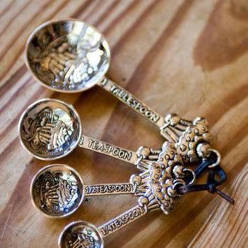 Spoonful of Sugar Cupcake Measuring Set                    - Francesca's Collections