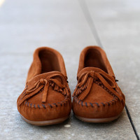 Minnetonka Kilty Suede Moccasin {Brown}