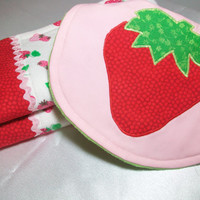Baby Girl Burp Cloths and Bib set - Baby girl Gift - Baby Girl Bib Set - Strawberry Baby Bib Set