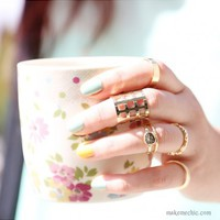 Caged Textured Midi Ring Set | MakeMeChic.com