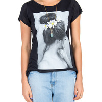 Daisy Bun Graphic Tee - Black