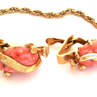 Vintage Women's Gold Tone and Coral Sweater Clip