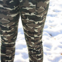 Carrie's Closet - Camoflage plus size leggings by Zenobia