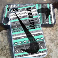 Nike aztec mint - iPhone 4/4s/5/5c/5s Case - Samsung Galaxy S2/S3/S4 Case- Blackberry z10 Case- iPod 4/5 Case - Black or White