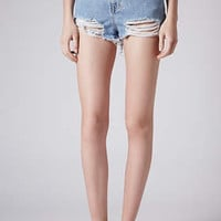 MOTO BLEACH RIPPED MOM SHORTS