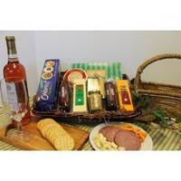Cabela`s Gourmet All-Occasion Snack Basket w/ FREE cutting board