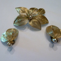 Vintage Gold Spun Wire Mesh and Pearl Brooch and Earrings Set Germany 1950s 1960s Costume Jewelry