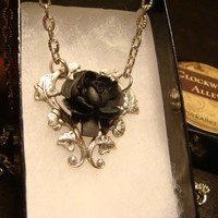 Black Rose Heart Necklace with Beautiful Vines (1771)