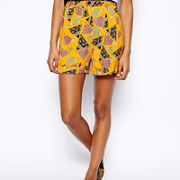 River Island Turn Up Short In Triangle Print